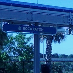 Photo taken at Tri-Rail - Boca Raton Station by Sterlyn on 4/23/2012