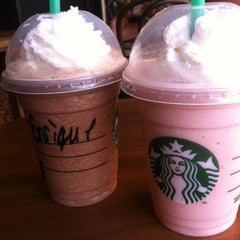 Photo taken at Starbucks by Henrique A. on 6/11/2012