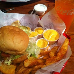 Photo taken at Fuddruckers by Jessica C. on 3/28/2012