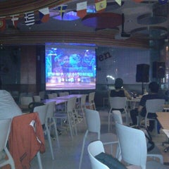 Photo taken at KFC / KFC Coffee by Gustami C. on 6/13/2012