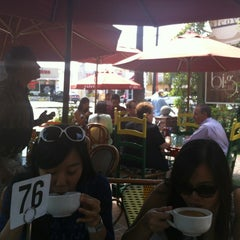 Photo taken at Alcove Cafe & Bakery by Minsoo K. on 7/16/2012