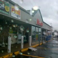 Photo taken at Wawa Food Market #119 by Rachel G. on 6/12/2012
