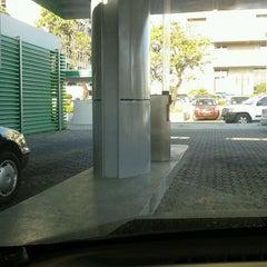 Photo taken at Banco BHD León by Nagaca G. on 2/10/2012