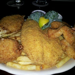 Photo taken at Pappadeaux Seafood Kitchen by jsquared on 3/16/2012