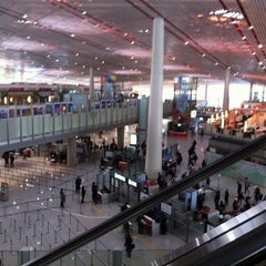 Photo taken at Beijing Capital Int'l Airport 北京首都国际机场 (PEK) by Tomoko K. on 3/18/2012