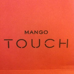 Photo taken at Mango Touch (แมงโก้ ทัช) by Pin K. on 4/27/2012
