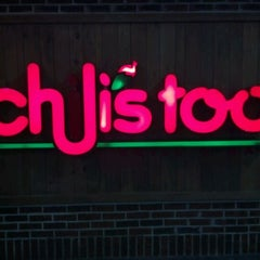 Photo taken at Chili's Too by Kimberly X. on 5/27/2012