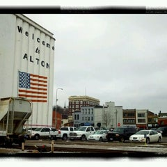 Photo taken at Argosy Casino Alton by Jimmie B. on 2/15/2012