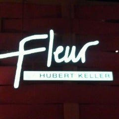 Photo taken at Fleur by Hubert Keller by Lauren B. on 2/15/2012