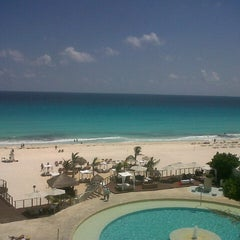 Foto tomada en Sunset Royal Beach Resort por Hugo S. el 9/12/2012