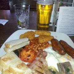 Photo taken at The Gary Cooper (Wetherspoon) by Angela R. on 4/6/2012