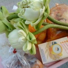 Photo taken at ลาดพร้าว76 by marisaploy m. on 5/6/2012