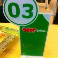 Photo taken at MM Juice, Lt 3 Mall Pekanbaru by Yuliank on 4/13/2012