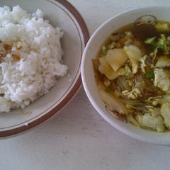 Photo taken at Warung Soto Ayam Solo by Albert C. on 5/17/2012