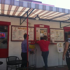 Photo taken at Taco Rey Taco Shop by Veridiana M. on 7/6/2012