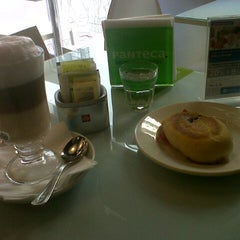 Photo taken at Panteca Gourmet Express by Federico Ignacio M. on 8/22/2012