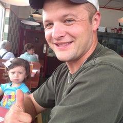Photo taken at Huddle House by Kayla L. on 5/6/2012