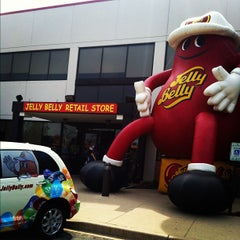 Photo taken at Jelly Belly Visitor Center by Joey M. on 6/29/2012