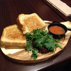 Photo taken at Heywood - A Grilled Cheese Shoppe by Savina K. on 6/4/2012