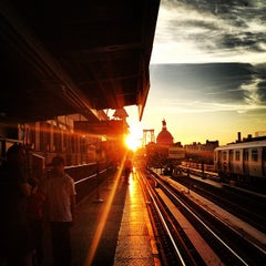 Photo taken at MTA Subway - Marcy Ave (J/M/Z) by Sadi T. on 7/27/2012
