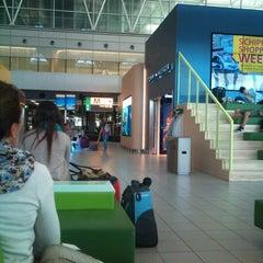 Photo taken at Lounge 4 by Camila B. on 8/11/2012