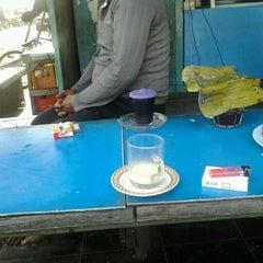 Photo taken at Warung GIRAS Bumimoro by Supardi A. on 3/31/2012
