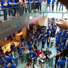 Photo taken at Apple Store, SoHo by J D. on 7/14/2012