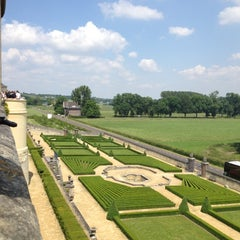 Photo taken at Château Neercanne by Ionut C. on 6/14/2012