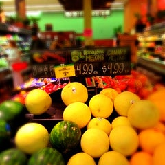 Photo taken at Key Food by Steve K. on 3/26/2012