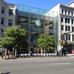 Photo taken at Apple Store, Boylston Street by Josh A. on 8/27/2012