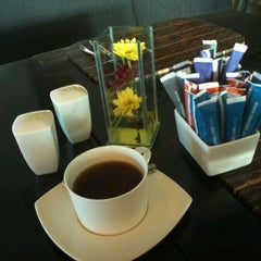 Photo taken at Square restaurant, novotel Balikpapan by Rully A. on 5/2/2012