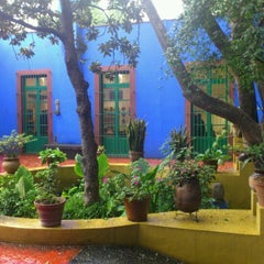 Photo taken at Museo Frida Kahlo by Cinthya G. on 2/25/2012