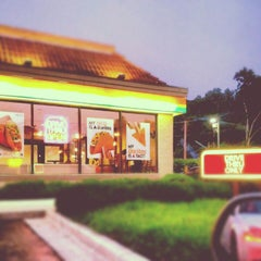 Photo taken at Taco Bell by Erin on 6/21/2012