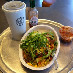 Photo taken at Chipotle Mexican Grill by Linda C. on 8/17/2012