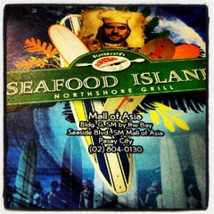 Photo taken at Blackbeard's Seafood Island by Nath B. on 6/16/2012