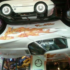 Photo taken at Quaker Steak & Lube® by Mike R. on 7/28/2012