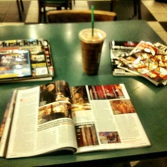 Photo taken at Barnes & Noble by Philip H. on 5/10/2012