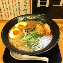 Photo taken at 麺's room 神虎 なんば店 by 鬼灯さん家のキョウさん on 7/13/2012