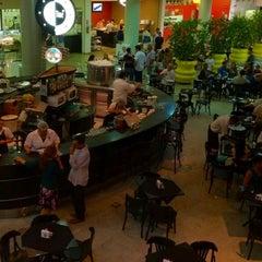 Photo taken at Shopping Buena Vista by Ubirajara O. on 8/31/2012