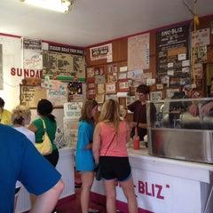 Photo taken at Hansen's Sno-Bliz by Bryan D. on 6/3/2012