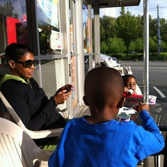 Photo taken at Baskin-Robbins by Billy A. on 6/4/2012