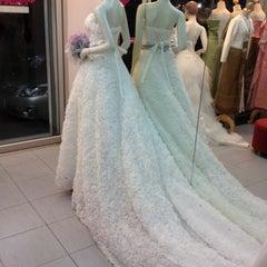 Photo taken at ร้านคุณน้อง Wedding & Studio มหาชัย สมุทรสาคร by iSapphawat on 7/28/2012