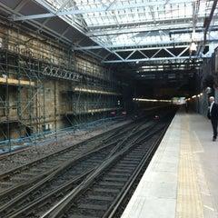 Photo taken at Edinburgh Waverley Railway Station (EDB) by Alexander W. on 8/21/2012