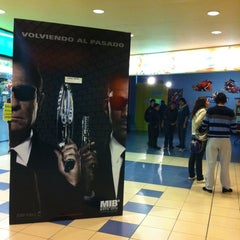 Photo taken at Cine Salto Shopping by Walter G. on 5/25/2012