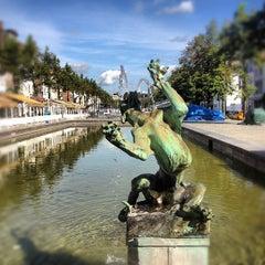 Photo taken at Sint-Katelijne / Sainte-Catherine (MIVB / STIB) by Mélissa M. on 8/5/2012