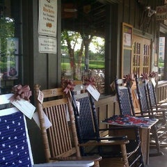 Photo taken at Cracker Barrel Old Country Store by Laura G. on 5/1/2012