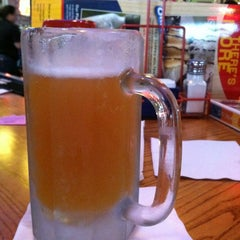 Photo taken at Chili's Grill & Bar by jeff b. on 3/31/2012