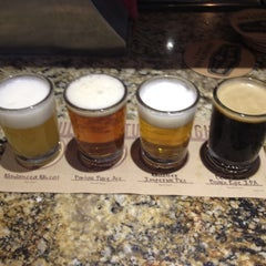 Photo taken at Karl Strauss Brewing Company by Shaun F. on 7/21/2012