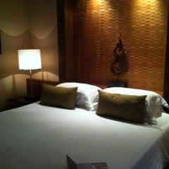 Photo taken at The Sukosol (โรงแรม เดอะ สุโกศล) by Koko S. on 8/8/2012