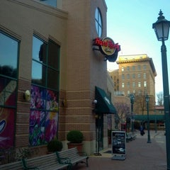 Photo taken at Hard Rock Cafe Pittsburgh by Wes H. on 3/20/2012
